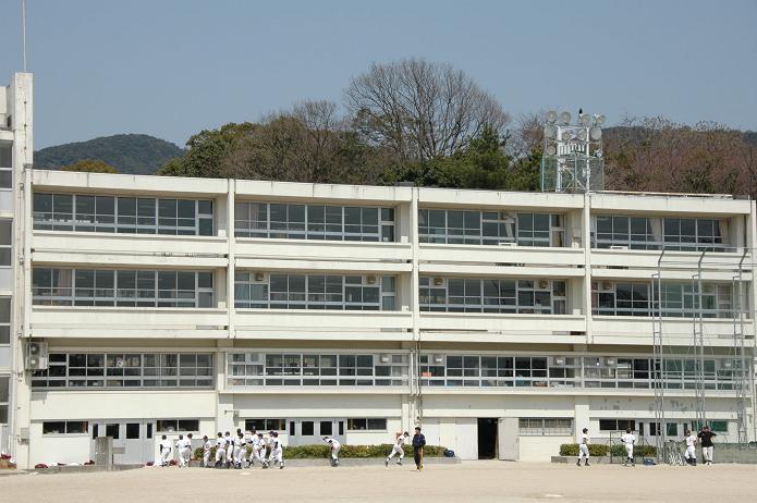 学業院中学校 (太宰府市)_a0042310_8541526.jpg