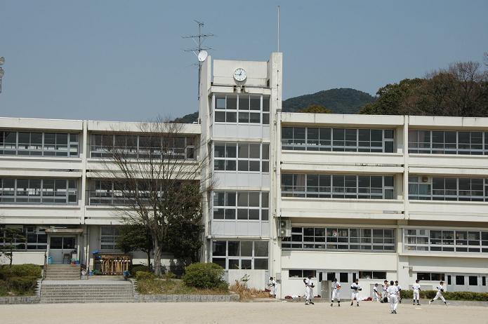 学業院中学校 (太宰府市)_a0042310_8543099.jpg