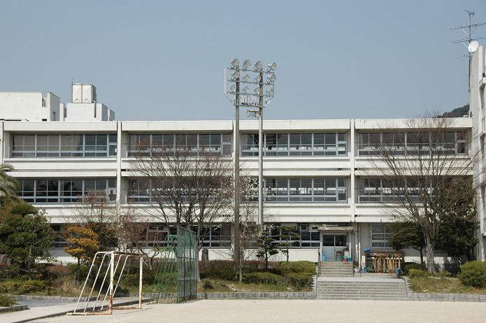学業院中学校 (太宰府市)_a0042310_8544494.jpg