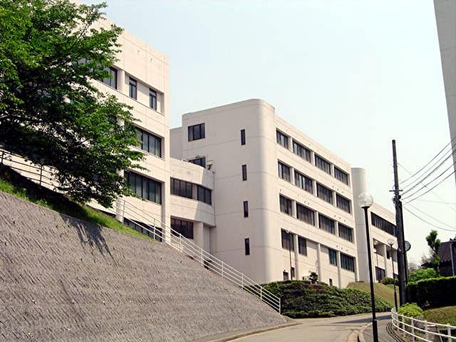 筑紫女学園大学・短期大学_a0042310_2024021.jpg