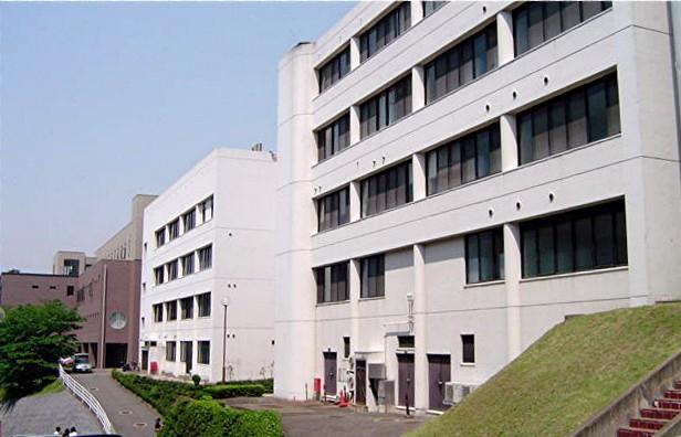 筑紫女学園大学・短期大学_a0042310_2032813.jpg