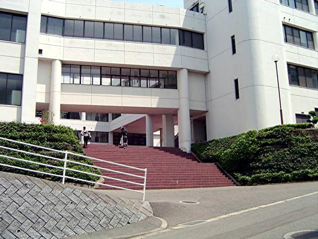 筑紫女学園大学・短期大学_a0042310_203649.jpg