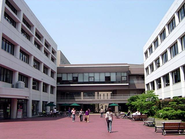 筑紫女学園大学・短期大学_a0042310_2085382.jpg