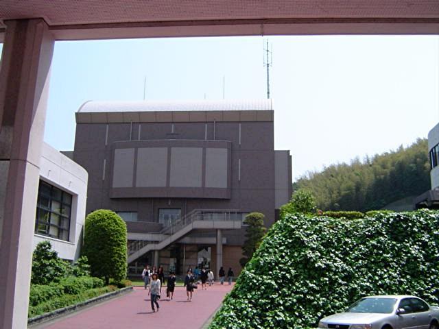 筑紫女学園大学・短期大学_a0042310_2091085.jpg