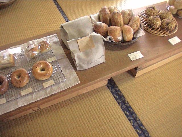 「パンとお菓子と布と本」終了しました。_e0060555_2354182.jpg