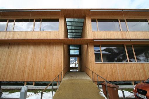オーストリア研修18:カフマン設計のLudesch ルーデッシュの市役所1:外観1_e0054299_10572173.jpg