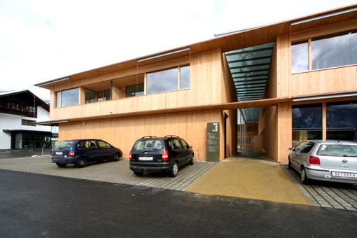 オーストリア研修18:カフマン設計のLudesch ルーデッシュの市役所1:外観1_e0054299_1057421.jpg