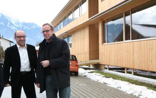 オーストリア研修18:カフマン設計のLudesch ルーデッシュの市役所1:外観1_e0054299_10582496.jpg