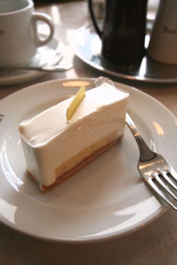 デフェールのケーキ_b0048834_22424816.jpg
