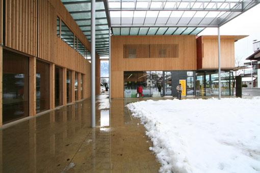 オーストリア研修19:カフマン設計のLudesch ルーデッシュの市役所2:外観2_e0054299_10425100.jpg