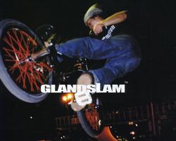 "ollieEXに""GLANDSLAM""06新作が掲載_b0065730_1827529.jpg"