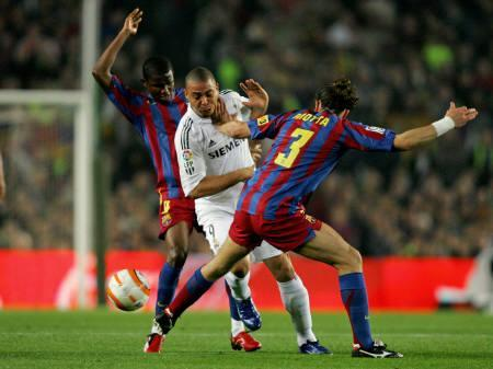 EL Clasico LIGA  FC Barcelona  vs Real Madrid RONALDINHO and RONALDO_e0039513_16321164.jpg