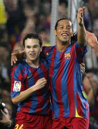 EL Clasico LIGA  FC Barcelona  vs Real Madrid RONALDINHO and RONALDO_e0039513_16325319.jpg