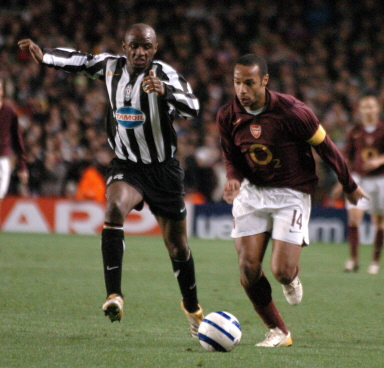 ☆☆☆CHAMPIONS LEAGUE 05-06☆☆☆準々決勝 - Quarter-finals Arsenal vs Juventus @ London _e0039513_16531978.jpg