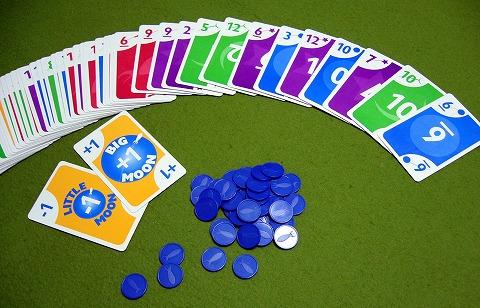 カードをばらり。