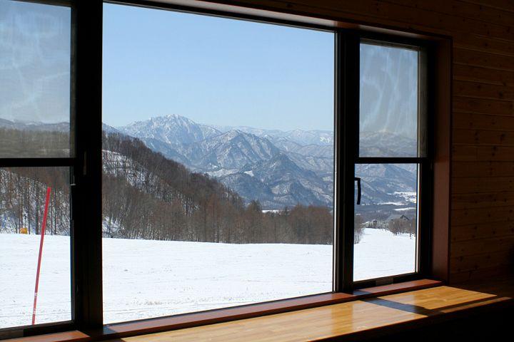 スキー場は終わったけれど_d0012134_0202678.jpg