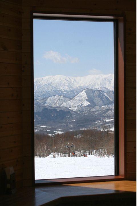 スキー場は終わったけれど_d0012134_0251849.jpg