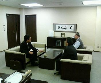ジェルコの加賀谷東北支部長が/_e0009056_8302910.jpg