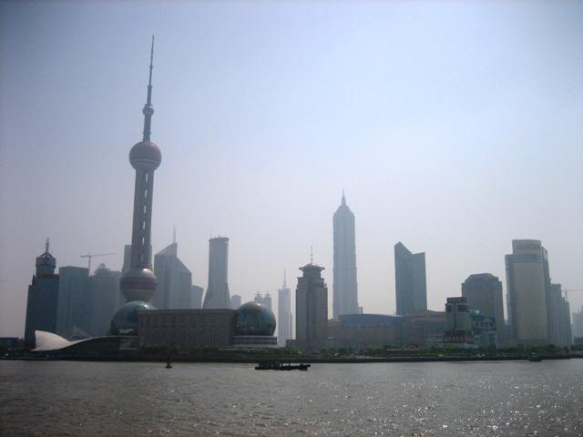 上海の現代ビルと新しい茶葉市場_f0070743_20272264.jpg