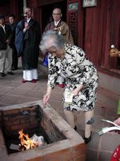 祟福寺の媽祖(まそ)祭に参列させていただく。_b0009103_1162274.jpg