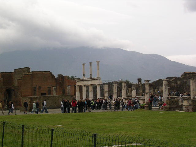 2006,4,21南イタリアレポート(2)・・・ポンペイ_f0060461_23302512.jpg