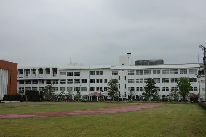 日本経済大学・保育短大・福祉大学_a0042310_20123974.jpg