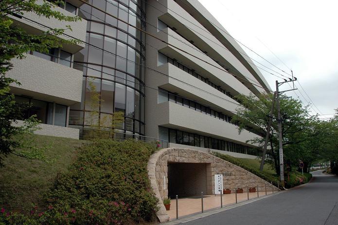 日本経済大学・保育短大・福祉大学_a0042310_2012865.jpg