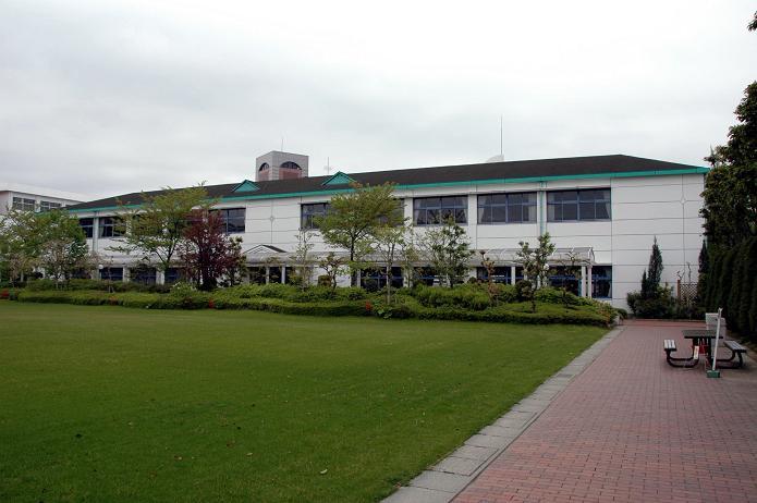 日本経済大学・保育短大・福祉大学_a0042310_2075163.jpg
