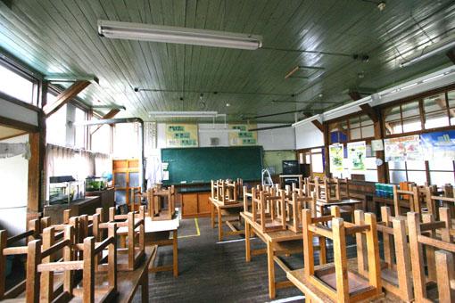 浅内小学校旧校舎_e0054299_930412.jpg