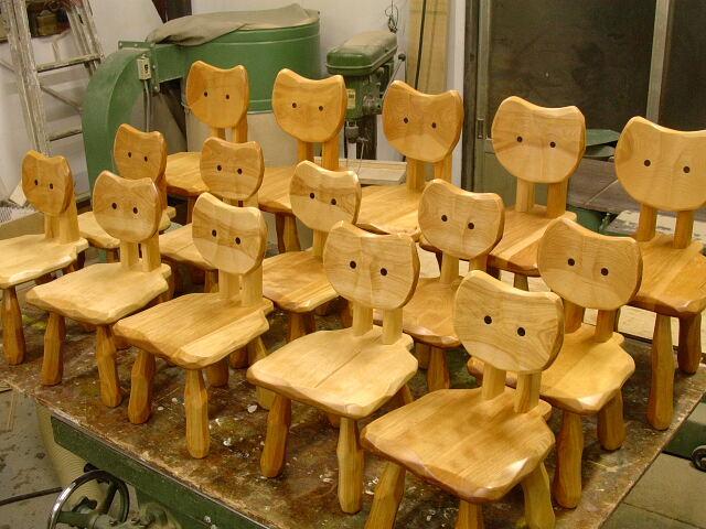 ネコ椅子集合_e0072513_6371747.jpg