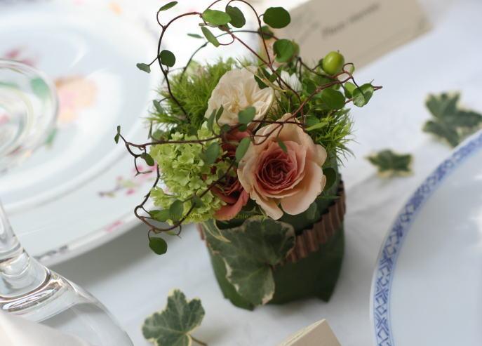 緑と実ものと ラ・ビュット・ボワゼ様の装花_a0042928_0225343.jpg