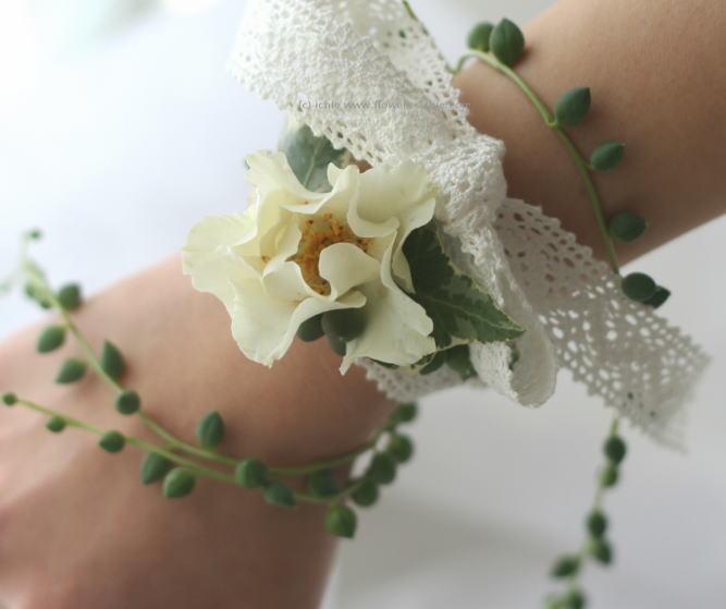 緑と実ものと ラ・ビュット・ボワゼ様の装花_a0042928_022591.jpg