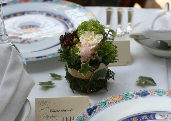 緑と実ものと ラ・ビュット・ボワゼ様の装花_a0042928_0232273.jpg