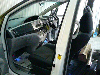 新車エスティマ_a0055981_9285319.jpg