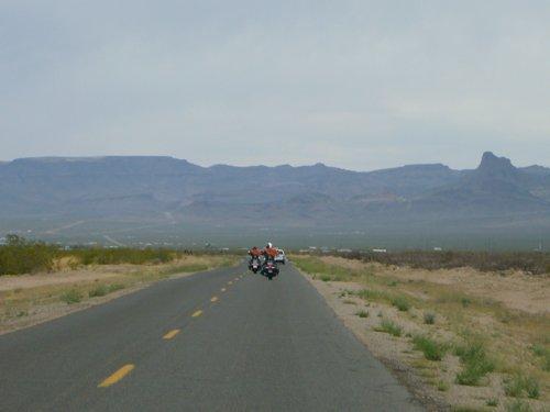 Day 10 (中編)オートマンからモハビー砂漠へ_f0088456_0345925.jpg