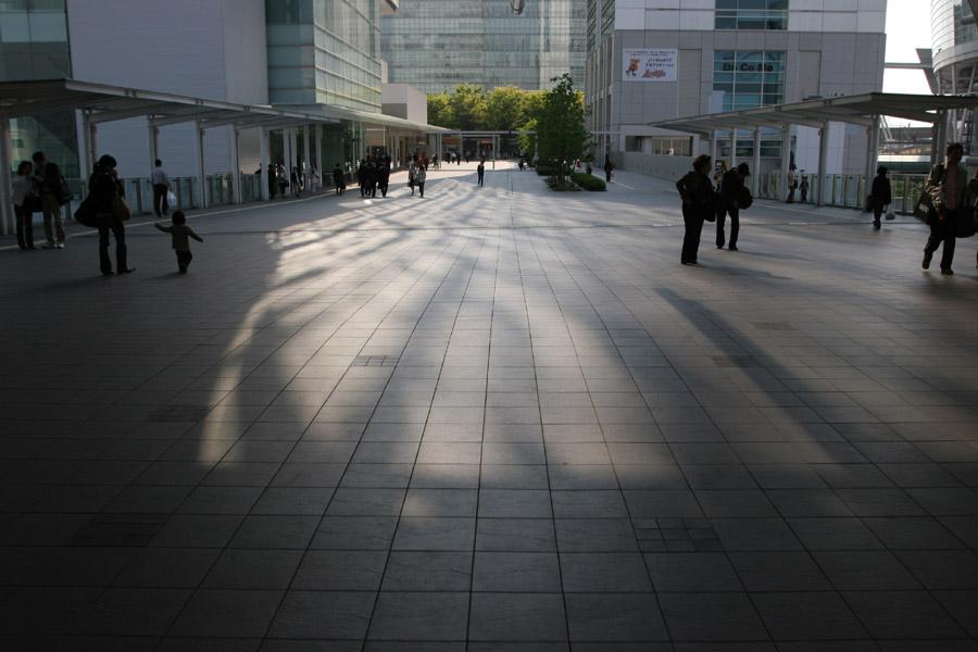 Shadowish Shiny Scene_e0022810_2384560.jpg