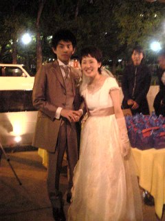二十二日はなっちゃんの結婚披露パーティへ_d0031619_10594488.jpg