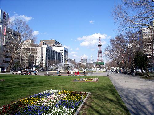 [ようやく...春?]札幌・大通公園_a0009562_10215647.jpg