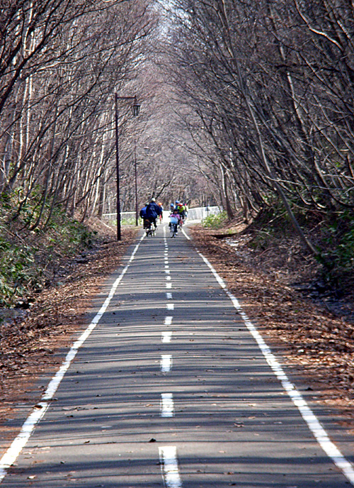 [GW到来です。]環境にやさしく徒歩です。_a0009562_180159.jpg
