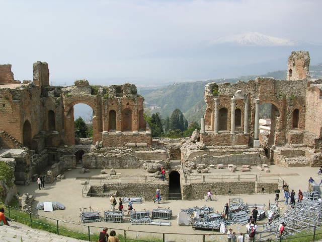イタリア旅⑥⑦4月10,11日、タオルミーナ、チェファル観光_f0060461_19212349.jpg