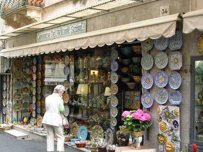 イタリア旅⑥⑦4月10,11日、タオルミーナ、チェファル観光_f0060461_199631.jpg