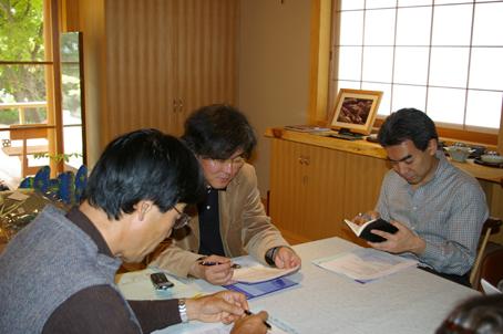 兼松邸で北鎌倉湧水ネットワーク2006年度総会(4・30)_c0014967_19224139.jpg