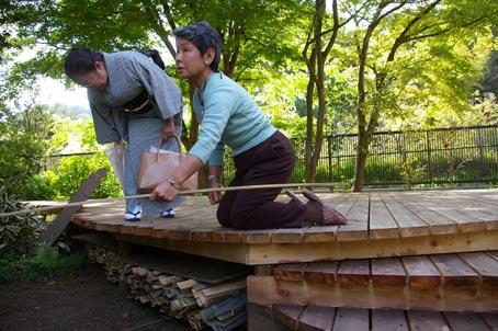 兼松邸で北鎌倉湧水ネットワーク2006年度総会(4・30)_c0014967_19352282.jpg