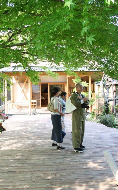 兼松邸で北鎌倉湧水ネットワーク2006年度総会(4・30)_c0014967_23262833.jpg
