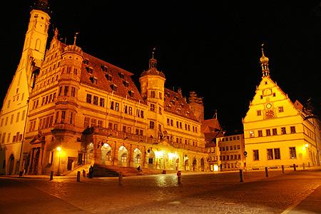 ドイツ旅行 ~夜のローテンブルグ~_c0024345_3361215.jpg