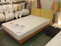 ベッドを探しに_b0054727_411452.jpg
