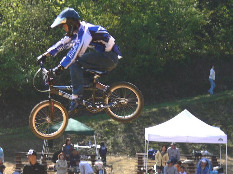あっくんの日記 JBMXF 2006東日本BMX選手権大会 In Kanayasan Joetsu 扁_b0065730_1031691.jpg