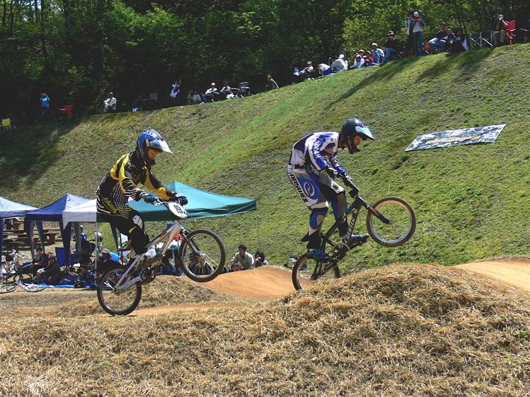 あっくんの日記 JBMXF 2006東日本BMX選手権大会 In Kanayasan Joetsu 扁_b0065730_1135984.jpg