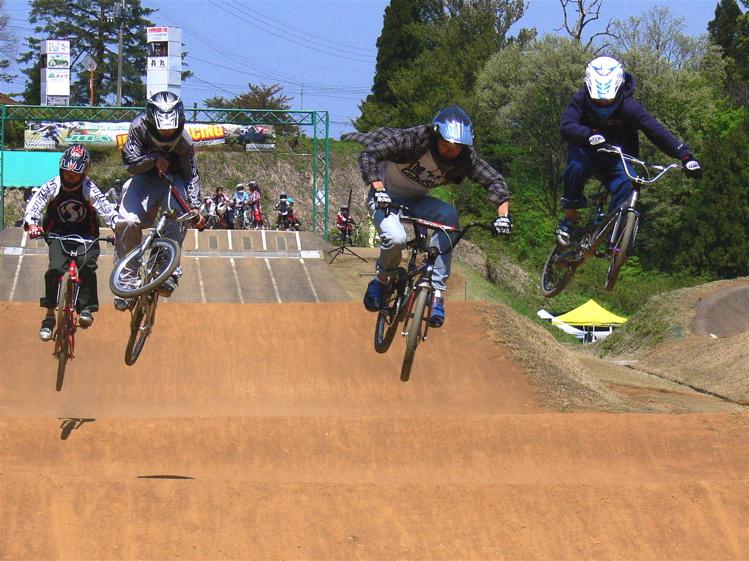 あっくんの日記 JBMXF 2006東日本BMX選手権大会 In Kanayasan Joetsu 扁_b0065730_14202942.jpg