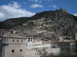 NICE9 / Journey to the Entrevaux_b0046388_2031832.jpg